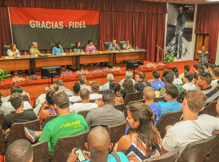 Estudiantes universitarios cubanos por una educación de excelencia construida colectivamente