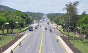 avenida al aeropuerto Frank País en Holguín
