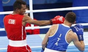 Boxeador cubano Lázaro Álvarez eliminó al profesional Tommasone