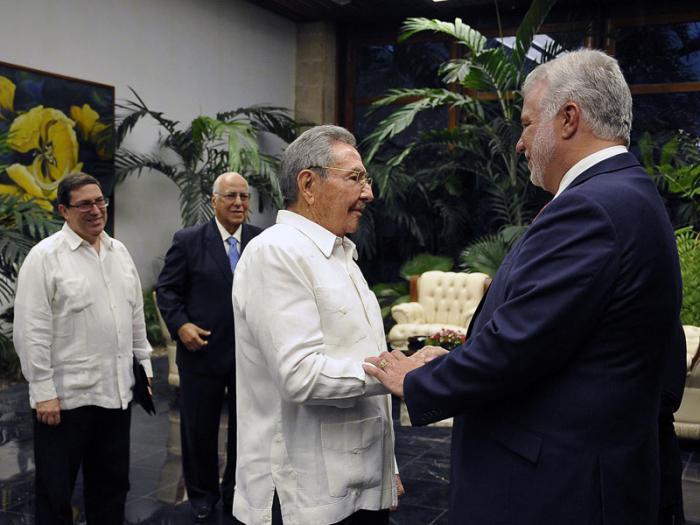 Sostuvo encuentro presidente Raúl Castro con primer ministro de la provincia canadiense de Quebec
