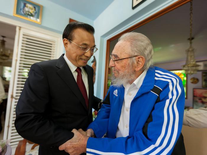 Fraternal encuentro entre el Primer Ministro de la República Popular China y el compañero Fidel