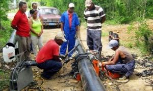Una conductora de 14,3 kilómetros tributará 50 litros de agua por segundo al sistema de la presa Parada, en Santiago de Cuba, con lo cual se beneficiará una población cercana a las 40 000 personas.