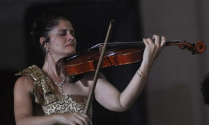 Concierto Cultivo una rosa blanca por Anolan González (viola), dedicado al aniversario abierto del maestro Juan Piñera, en el Oratorio San Felipe Nery, La Habana.