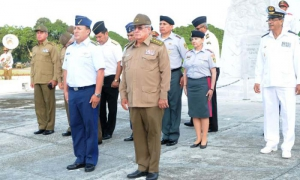 Visita al Cahual del comandate jefe FAR del Estado de Bolivia,general de las fuerza aerea Juan Gonzalez Duran Suares lo acompaña  Alvaro Lópes  Miera general de cuerpo de ejercito y viceministro primero, jefe del estado mayor de FAR.