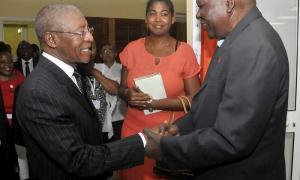 El miembro del Buró Político del Comité Central del Partido y Presidente del Parlamento cubano, Juan Esteban Lazo Hernández recibió en la mañana de hoy al Dr. Pakalitha Bethuel Mosisili, primer ministro del Reino de Lesoto.