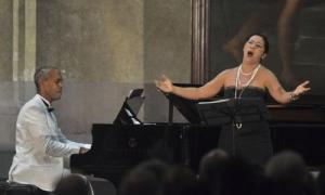 Concierto de Johana Simón (soprano) y Frank Paredes (piano), en la Basílica menor San Francisco de Asis.