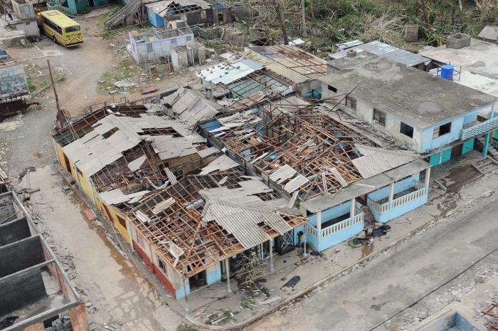Continúan evaluaciones de daños tras impacto del huracán Matthew en Cuba