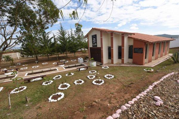 Inauguran en Bolivia centro cultural Ernesto Che Guevara