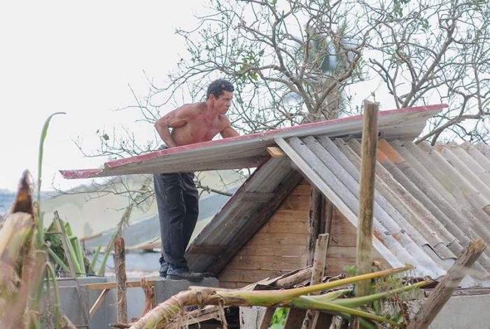 Tareas de recuperacìon en el Municipio Maisi tras el paso del Huracàn Matthew por la Provincia Guantànamo