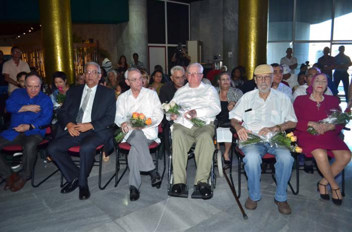 La Asociación Hermanos Saíz reconoce a maestros de la cultura cubana