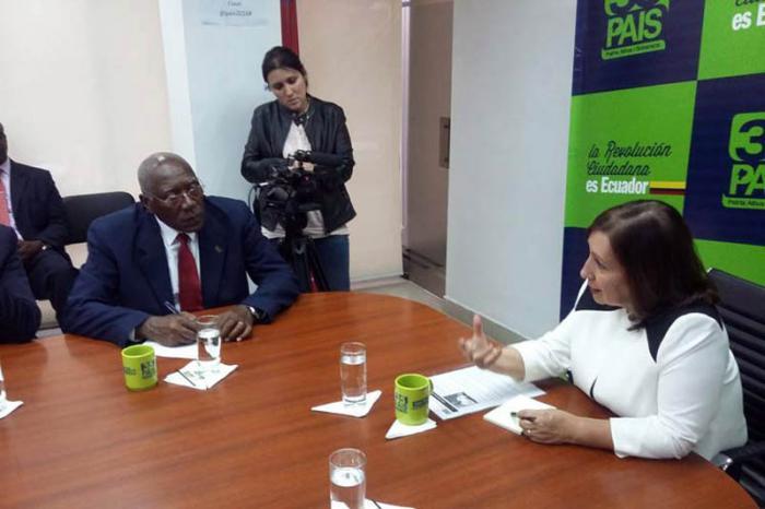 Salvador Valdés Mesa intercambia con directivos del Movimiento Alianza País