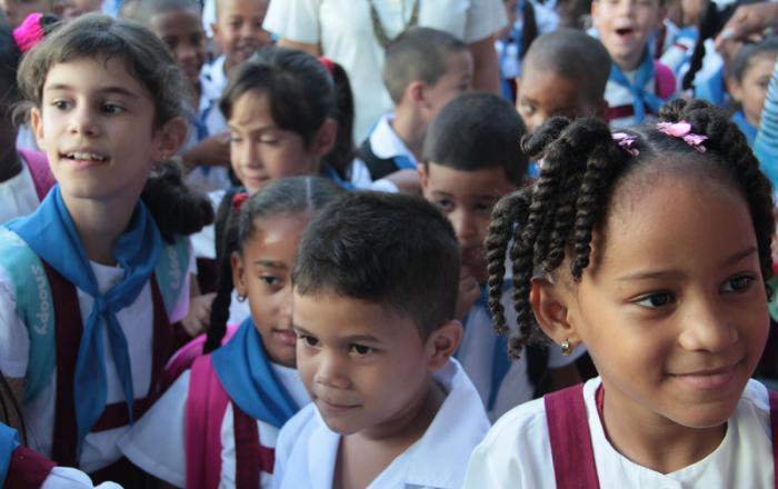 Inicio del curso escolar 2014-2015. Escuela Primaria, Enrique Hart Davalos. Foto: Yaimi Ravelo 01/09/2014