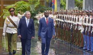 Raul recibe al Excelentísimo Señor José Mário Vaz, Presidente de la República de Guinea Bissau