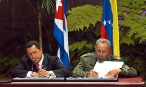 En el 2004, siendo presidente de Venezuela, Chávez visitó Cuba nuevamente y celebró junto a su amigo la primera década del histórico encuentro.