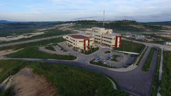En 2016 quedó inaugurado el Centro de Negocios Pelícano, sede de la Oficina de la ZEDM.