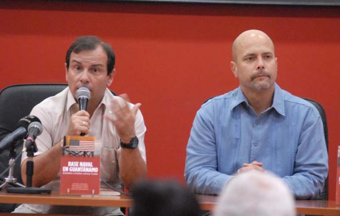 Presentación del Libro: Base Naval: En Guantánamo Estados Unidos versus Cuba. Fernando González y Gerardo Hernández. (Héroes de la República de Cuba)