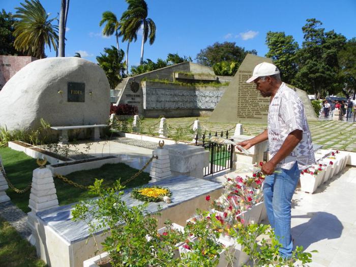 Danny Glover in Santiago de Cuba: Marti, Fidel and Young People
