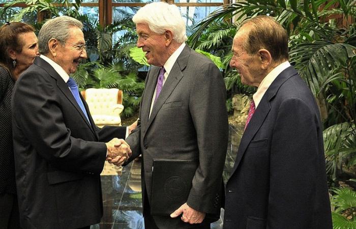 Recibió Raúl Castro al Presidente de la Cámara de Comercio de los Estados Unidos, Thomas J. Donohue.