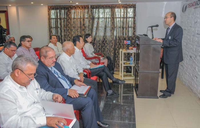 Forum empresarial cubano chino de energìa renovable, Sr Gu Chengkui, Director centro Informaciòn para el desarrollo de la industria de China Jefe de la delegaciòn.