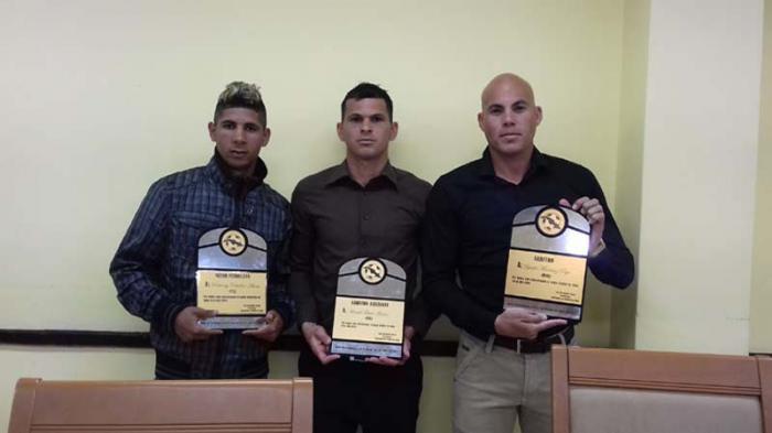 De izquierda a derecha Roberney Caballero, Raidel Toledo y Yadel Martínez.