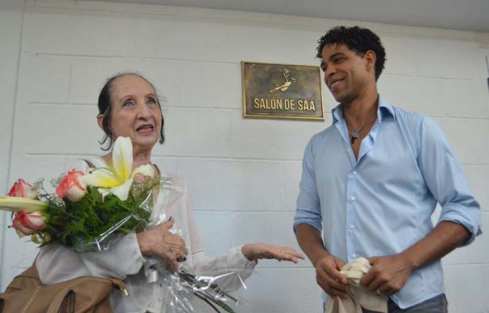 Compañía Acosta Danza rinde homenaje a Ramona de Saá (+ Fotos)