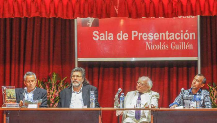 Presidente irlandés presenta libro de su país en Feria de La Habana