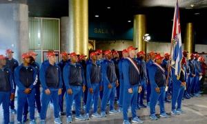 Beisbol Abanderan equipo el IV Clasico Mundial Antonio Becali presidente del INDER y Jose Ramon Fernandez presidente del COI