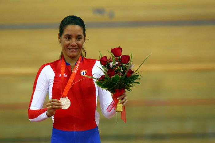 Yoanka logró en Beijing la única medalla olímpica del ciclismo cubano.