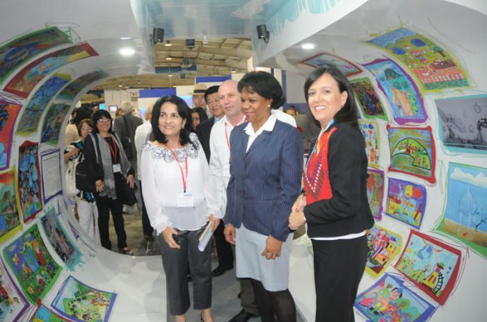 Visita exposición de Tecnologias y Productos del Agua por la presidenta del INRH, M.Sc. Ines Chapman Waugh