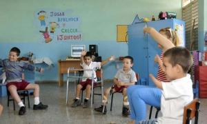 Visita realizada a la escuela Especial Solidaridad con Panamá. Clase de Baileterapia.
