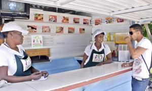 Cafetería La Arboleda, en la urbanización habanera de Alamar, una de las formas de trabajo por cuenta propia. En Cuba se va conformando una atmósfera que no discrimina ni estigmatiza el trabajo no estatal.