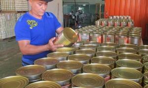 Cosecheros de frutas de todo el país visitarán la pequeña industria La Calendaria, una experiencia a imitar en provincias donde no abundan las plantaciones de cocoteros