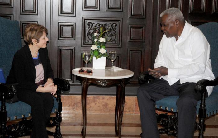 Recibe presidente de Parlamento cubano a Relatora Especial de la ONU sobre la trata de personas