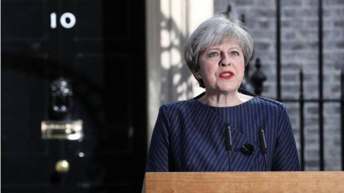 Primera ministra de Gran Bretaña convoca a elecciones anticipadas