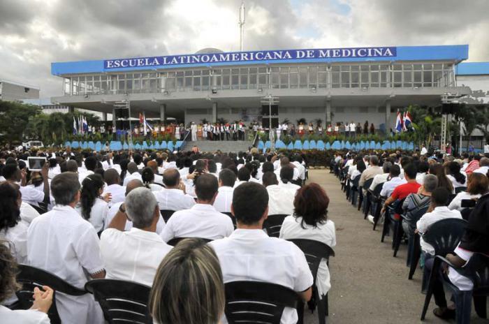 Acto por el 15 Aniversario de constituida por el Comandante en Jefe Fidel Castro Ruz la Escuela Latinoamericana de Medicina.