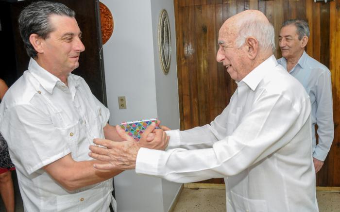 Recibió Machado Ventura a delegación del Partido Comunista de España