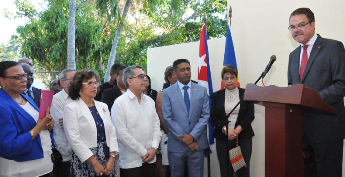 Presidente de la República de Seychelles Danny Faure, inaugura Embajada en la Habana.(foto Jorge Luis Gonzàlez) 26-4-17 Danny02I9 Habla el canciller de Seychelles Claude Morel.