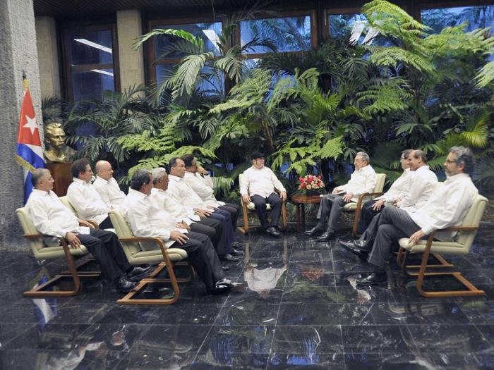 Raúl recibe a miembros del ELN y Farc-EP