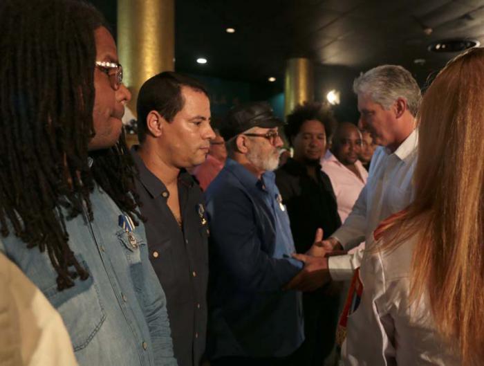 Reconocen a destacados artistas cubanos con la