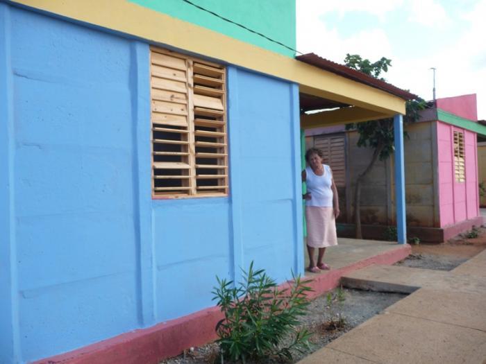 Recuperan más de 500 viviendas en Maisí con apoyo de Venezuela