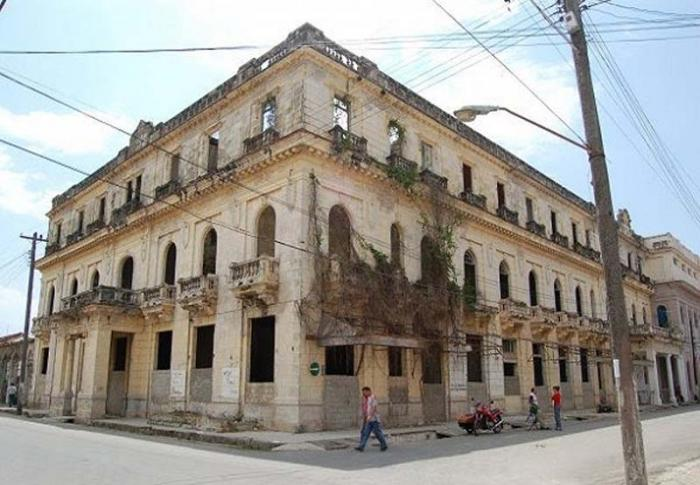 Several hotels under construction in central Cuban province