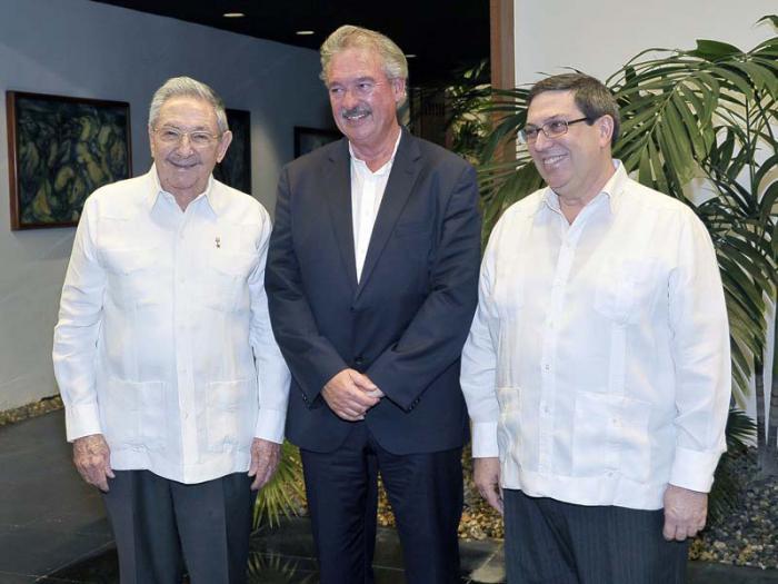 Raúl Castro recibió al Canciller del Gran Ducado de Luxemburgo
