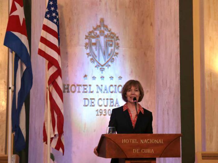 Apoya Vicegobernadora de Minnesota normalización de nexos entre EE.UU. y Cuba