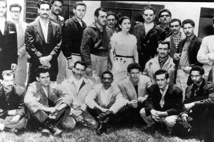 Fidel Castro y un grupo de revolucionarios en el exilio en México.