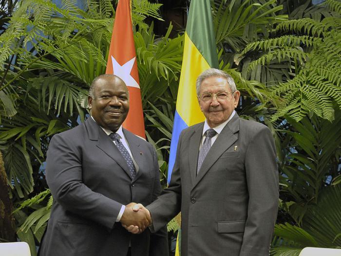 Dialogan en Cuba Raúl Castro y el Presidente de la República Gabonesa