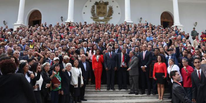 Instalada la Asamblea Nacional Constituyente en Venezuela y electa Delcy Rodríguez como su presidenta