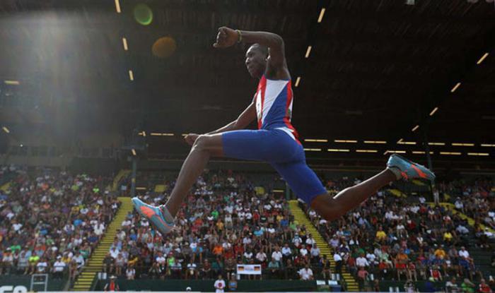 Triplistas cubanos en busca del podio en Mundial de Atletismo