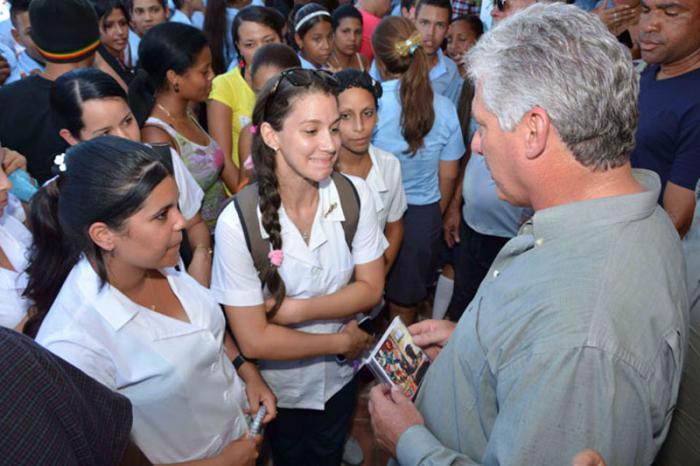 Presidió primer vicepresidente cubano inicio del curso escolar 2017-2018