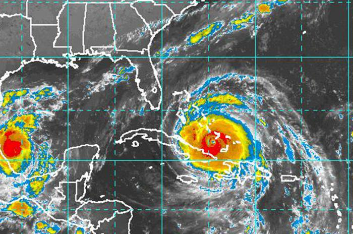 Hurricane Irma moves by the eastern end of Cuba ( Video)
