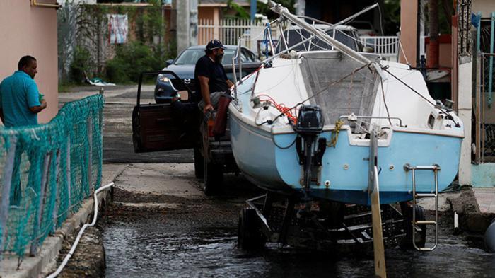 Intenso huracán María impacta fuertemente a Puerto Rico
